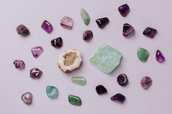 chakras et pierres naturelle