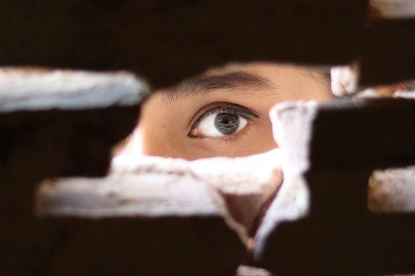 espionner sa copine