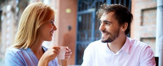Sujets de conversation avec sa copine : de quoi peut-on parler ?