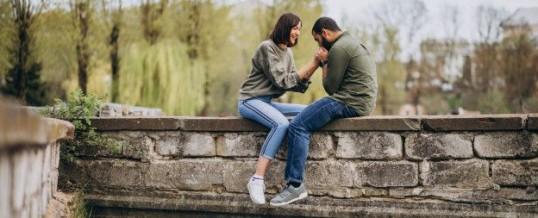 Langage corporel amoureux : les signes révélateurs