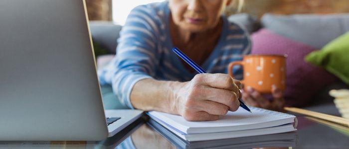 Reprendre ses études à 45 ans, et s'il est aussi temps pour vous ?